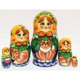 Nesting doll Sergiev-Posad 5 pcs. Girl with a  kitten