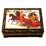 Lacquer Box man with a girl