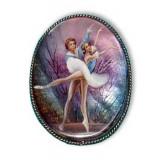 Brooch Ballet, mother-of-pearl on metal, vertical