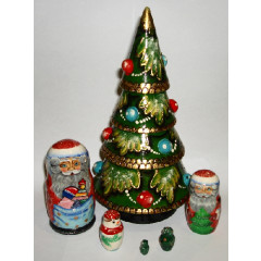 Nesting doll 6 pcs. Christmas tree 22 cm.