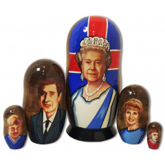 Nesting doll political leaders The English Queen, Elizabeth 2.