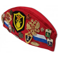 Headdress The soldier's forage cap red with badges